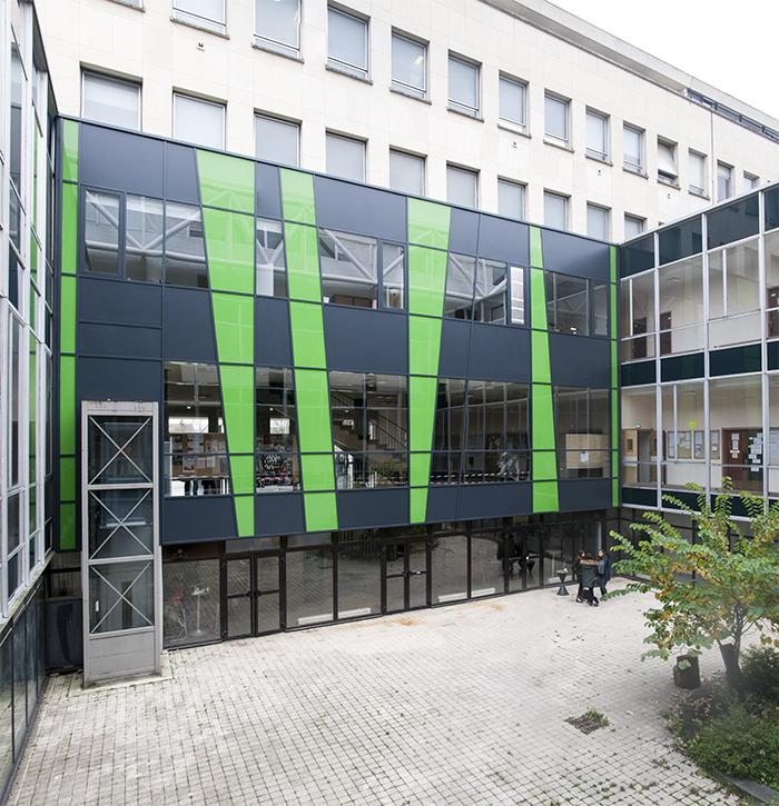 Chouette-architecture-UB-Droit-lettres-patio-700