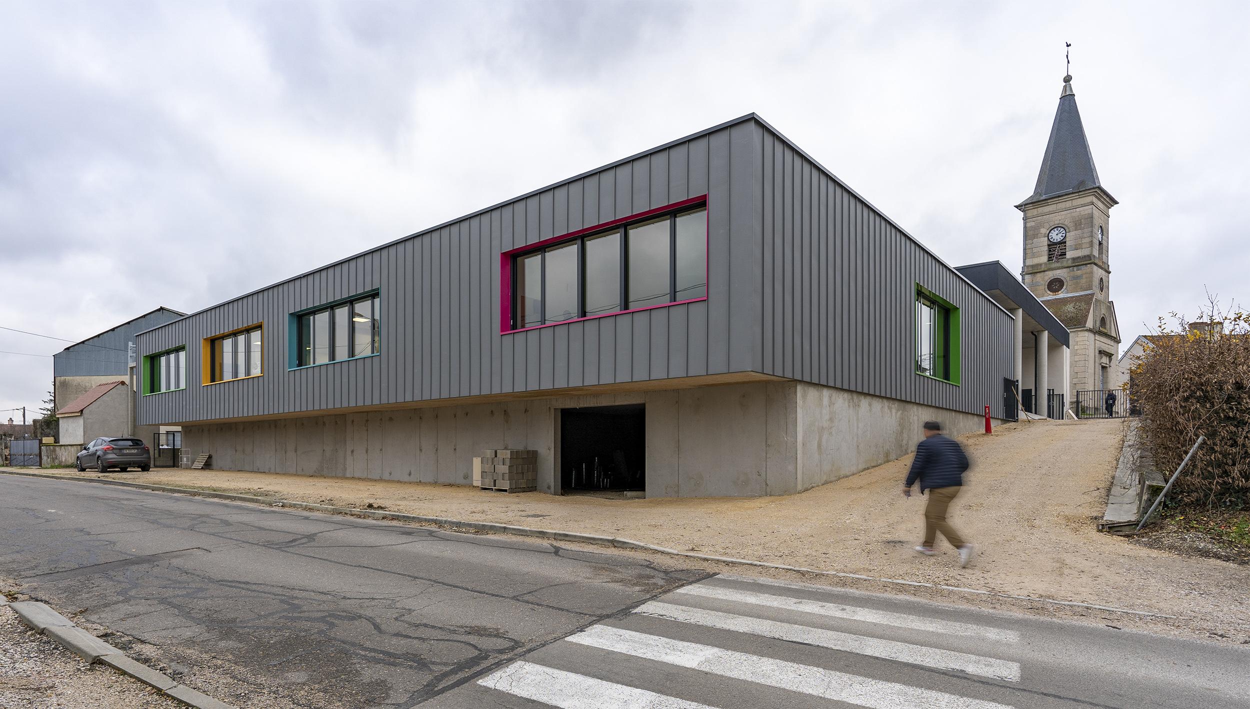 Chouette architecture - école élémentaire - Saint Seine en Bâche - 2000 11